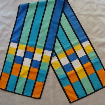 VINTAGE VERA NEUMANN MULTI-COLORED STAINED GLASS LOOK OBLONG SCARF